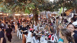 Het food court op het Koh Tao Festival