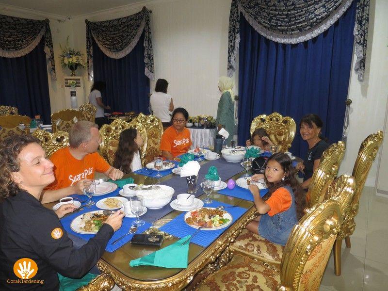 Ontbijt in het burgemeestershuis (Foto Lanny Kho)