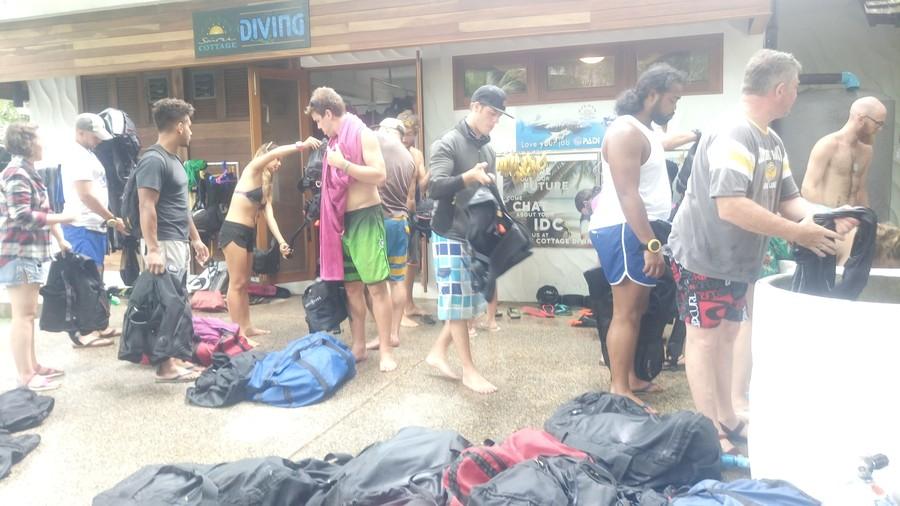 Wachtrij voor wassen duikapparatuur